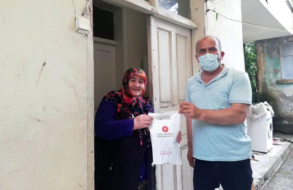 65 yaş üstüne kolonya ve maskeler, Erdoğan imzalı mektupla dağıtılıyor