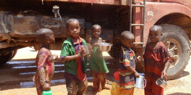 Somali acil yardım bekliyor