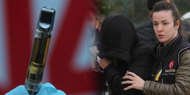 7 dil bilen ABD'li kadına Adana'da suçüstü!