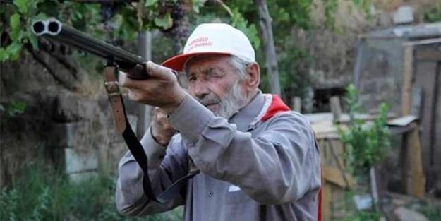 74 yaşında askerlik için başvurdu