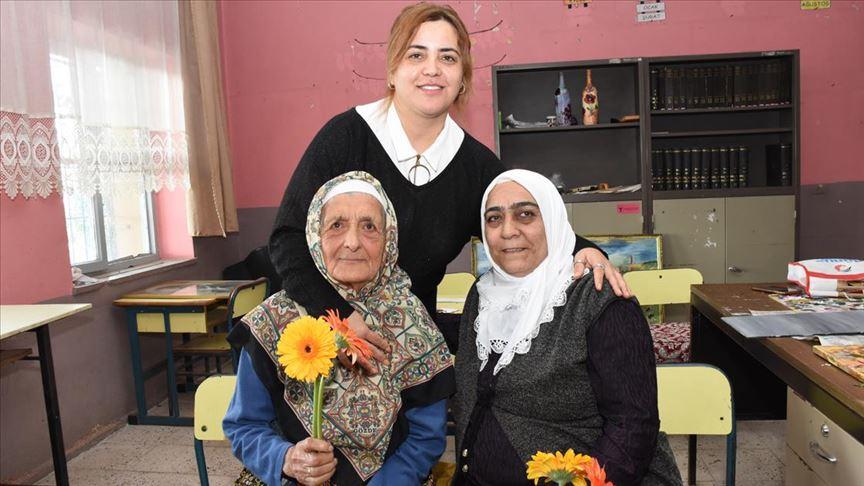 82 yaşındaki öğrenci 'ilk öğretmen'ini unutmadı