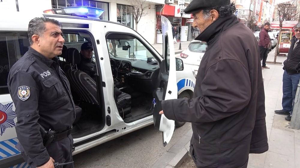 """86 yaşındaki vatandaş: """"Araba benziyor yakıyor devlete zarar vermeyelim"""""""