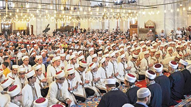 90 Kur'an bülbülü Fatih Camii'nde icazet aldı