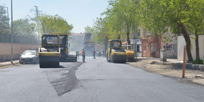 Diyarbakır'da asfalt çalışmaları devam ediyor