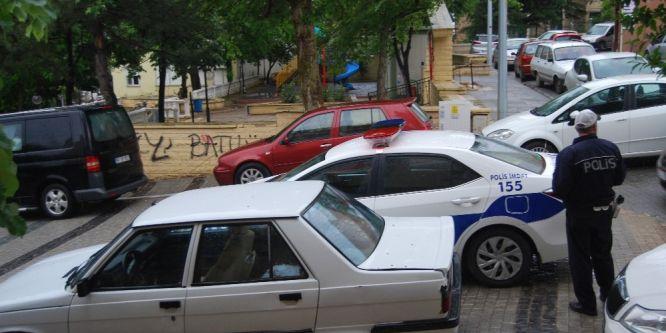 Otomobilini park ettiği yeri unutunca çalındı sanıp polis çağırdı