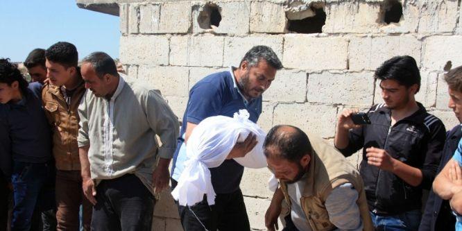Suriye uçaklarından bombardıman: 9 çocuk öldü