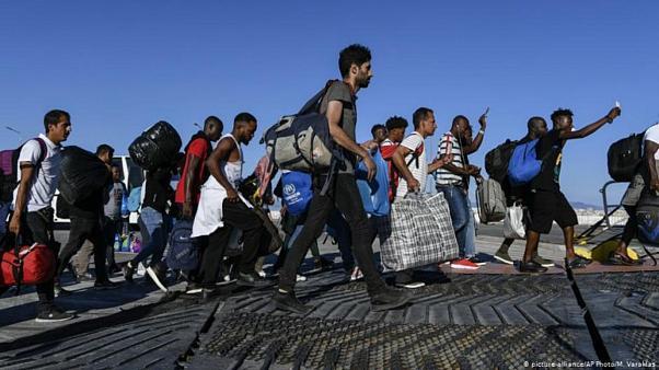 AB, Yunan'la birlikte göçmenlere zulmediyor