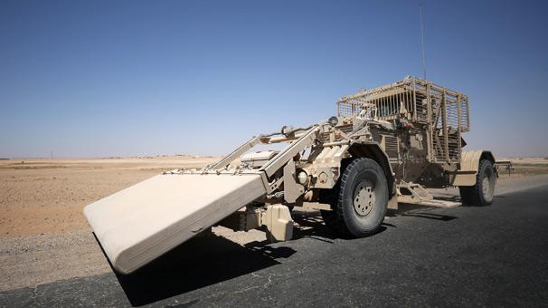 ABD az önce resmen duyurdu… TIR'lar sınırı geçti! YPG'ye tank…