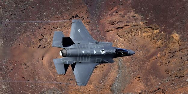 ABD, F-22 uçaklarıyla vurmuş