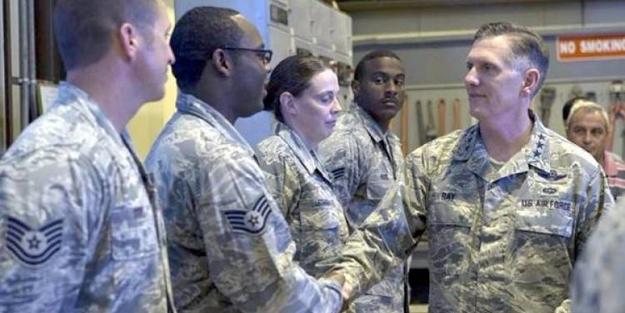 ABD'li Korgeneral İncirlik'te!