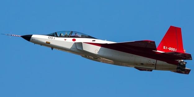 ABD'nin F-22'sine rakip olacak hayalet avcı uçağı tanıtıldı