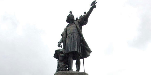 Amerika'yı keşfeden ismin heykeli kaldırıldı