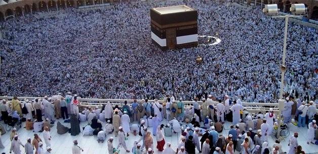 Aç müslümanlar varken fazladan umre yapmak uygun mudur?