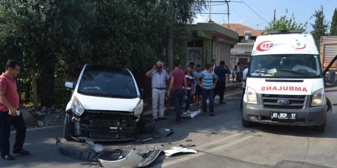 Adana'da otomobil tır ile çarpıştı: 1 yaralı