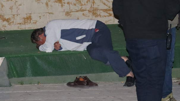 Adana'da dengesini kaybedip 8'inci kattan düşen şahıs hayatını kaybetti