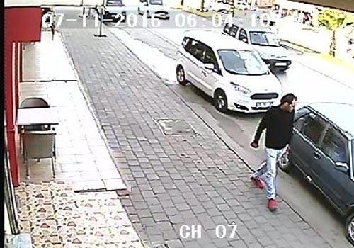 Adana'da uyuşturucu bağımlısı çalışır durumda bırakılan aracı çaldı