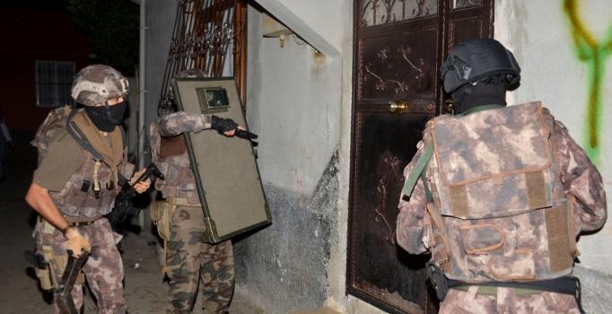 Adana'da uyuşturucu operasyonu: 11 kişi gözaltında