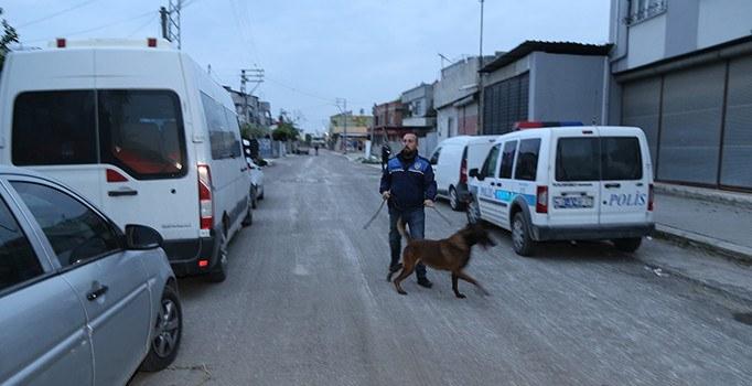Adana'da zehir tacirlerine operasyon: 5 gözaltı