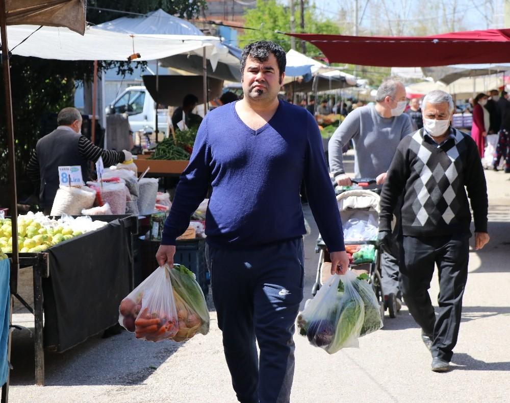 Adanalılar pazarda maske takma zorunluluğuna uymadı - Yeni Akit