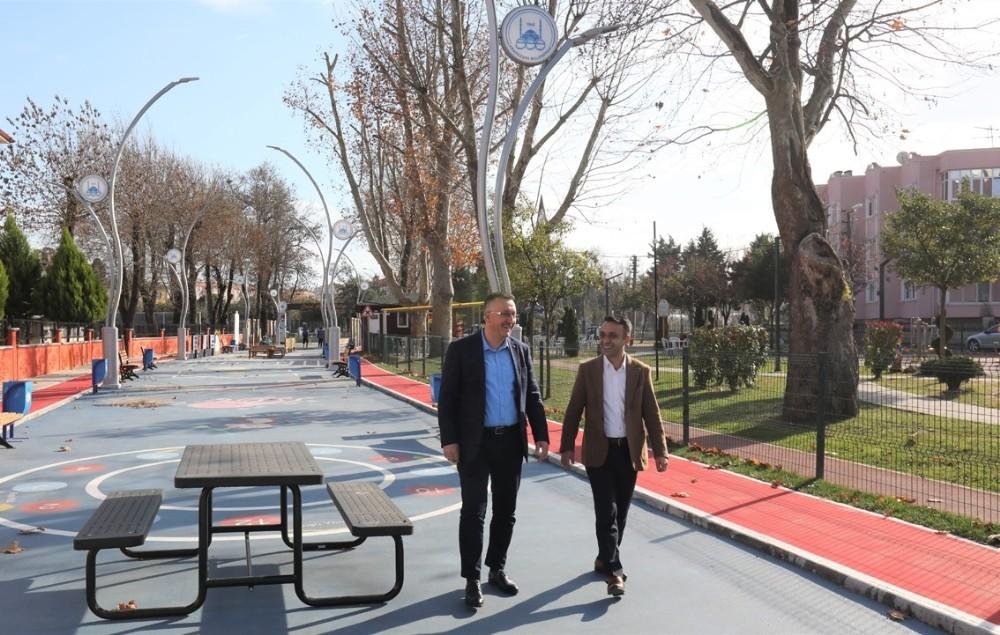 Adapazarı'nın 39 mahallesinde çocuk ve spor parkları tamamlandı