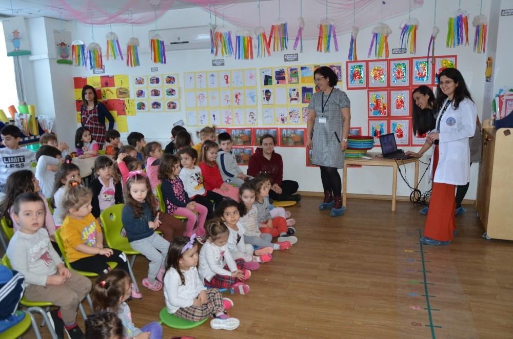 ADÜ Hastanesi çocuklar kişisel bakım ve hijyen konularında bilgilendiriliyor