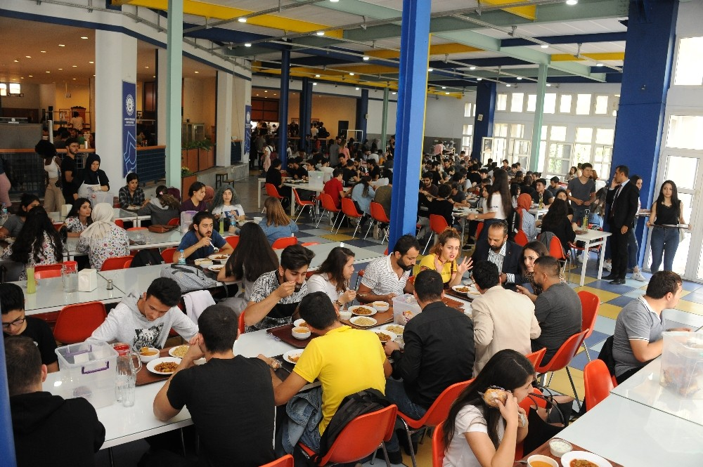 ADÜ'de 'Askıda Yemek' ile bir ayda 1500 öğrenci yemek yedi