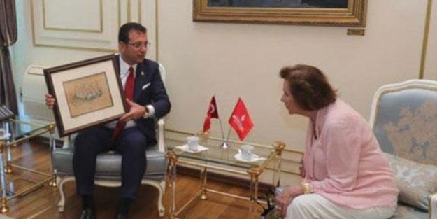 """Afgan kralının yeğeninin kızını """"Osmanlı Prensesi"""" olarak tanıttı... Özdil'den """"Osmanlı torunları da CHP'li"""" algısı!"""
