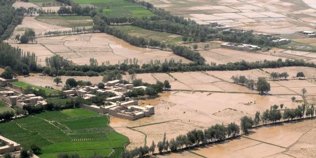 Afganistan'da sel felaketi: 100 ölü, 8 bin evsiz...