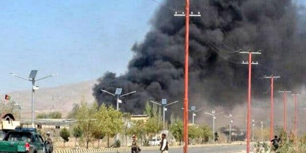Afganistan'da camiye saldırı! Çok sayıda ölü var