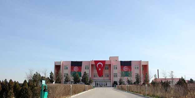 Afganistan'da FETÖ okulu, Türkiye Maarif Vakfı'na devredildi