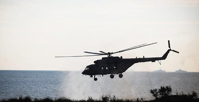 Afganistan'da helikopter düştü! Helikopterde 8 kişi bulunuyordu
