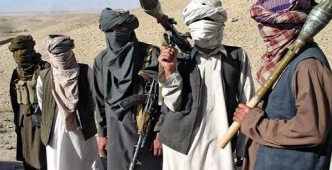 Afganistan'da kolordo komutanlığına saldırı