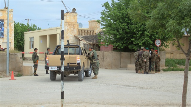 Afganistan'da Taliban 8 askeri kaçırdı
