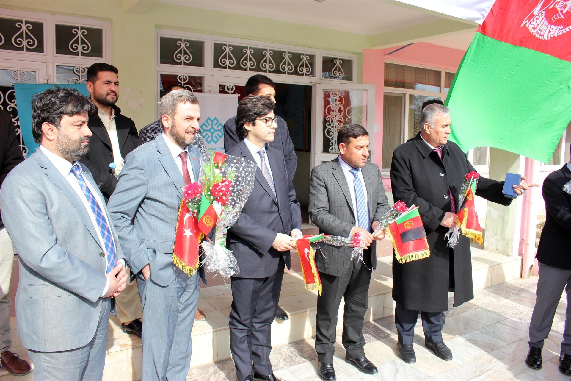 Afganistan'da FETÖ'ye okul darbesi