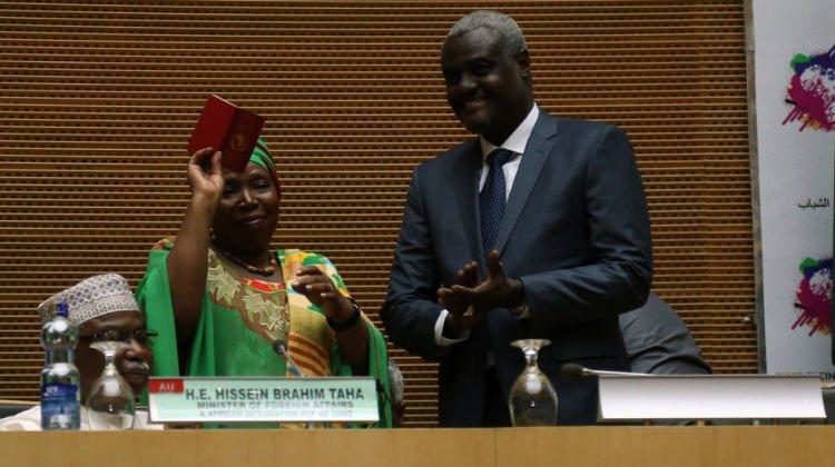 Afrika Birliği'nin yeni başkanı Faki göreve başladı