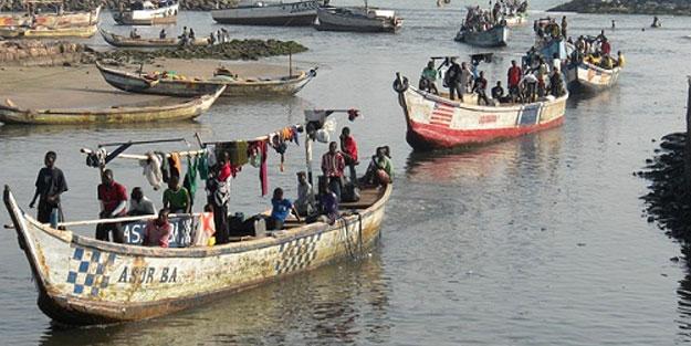 Afrika'da tekne felaketi! Çok sayıda ölü var