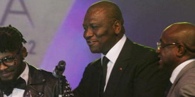 Afrikalı savunma bakanı koronavirüse yakalandı