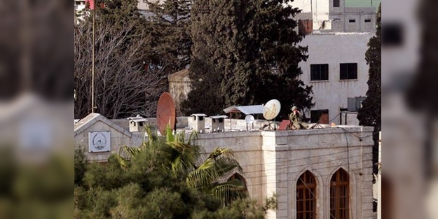 Afrin'den görüntüler gelmeye devam ediyor! Türk askeri çatıda