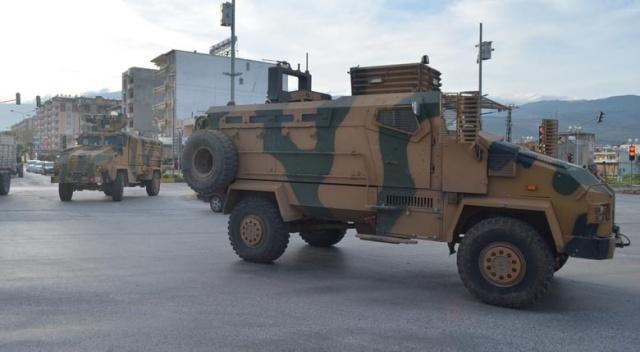 Afrin'e mayına dayanıklı kirpi sevkıyatı devam ediyor
