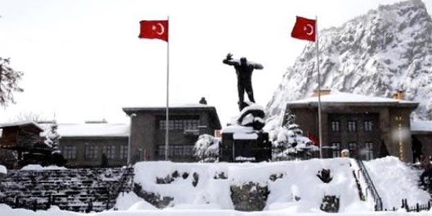 Afyon'da yarın 5 Aralık Perşembe günü okullar tatil mi?