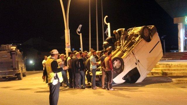 Ağrı'da taklalı kaza: 6 yaralı