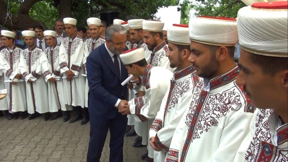 Ahlat'ta 32 hafız için mezuniyet töreni