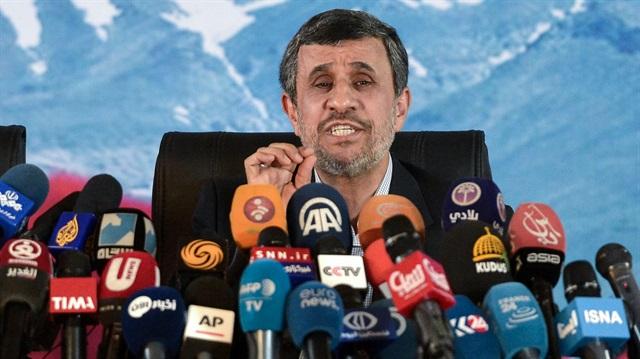 Ahmedinejad: İran'ın dış politikası değişmeli