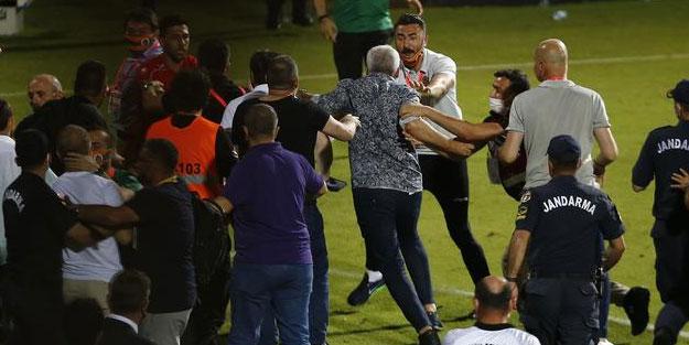 Ahmet Ağaoğlu çılgına döndü! Sahaya dalıp vurmaya kalktı