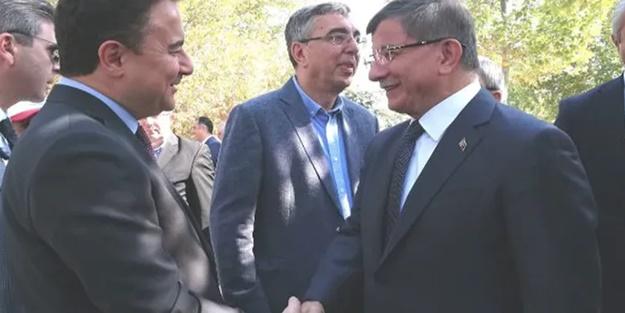 Ahmet Davutoğlu ve Ali Babacan aylar sonra karşı karşıya geldi