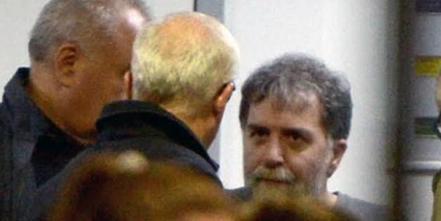 Ahmet Hakan'a saldırı davasında hapis ve 'mala zarar verme' cezası