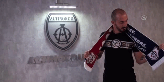 Ahmet İlhan Özek'in yeni adresi belli oldu