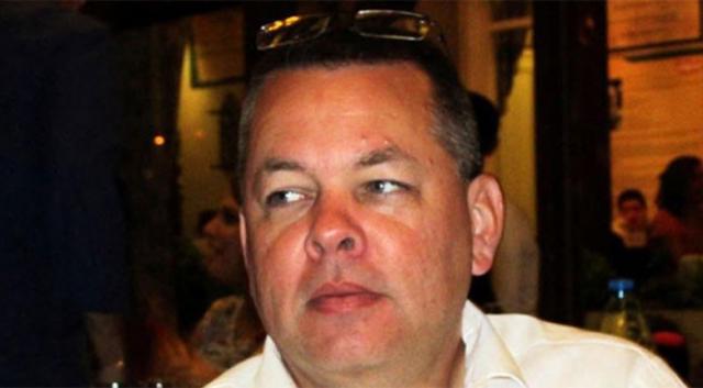 Ajan Brunson, duruşma öncesi evinden alındı