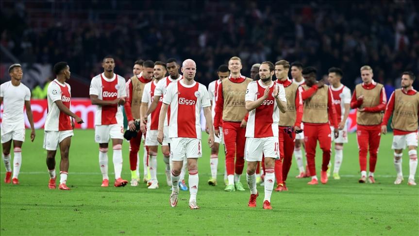 Ajax, Borussia Dortmund'u farklı yendi