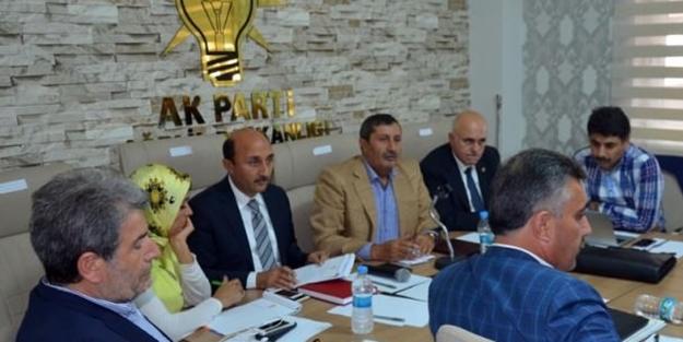 AK Parti heyeti Doğu ve Güneydoğu Bölgesi'nde